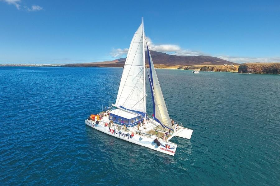 i-love-papagayo-catamaran-lanzarote_1