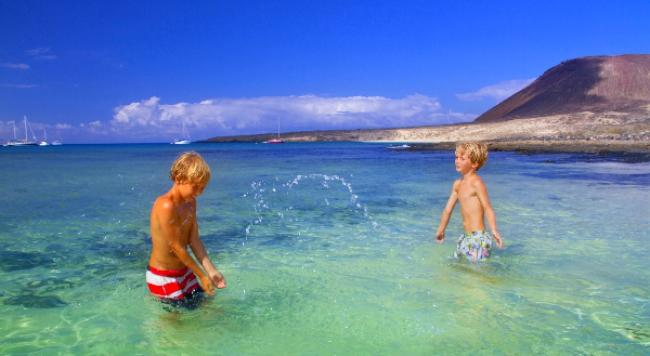 9 Amazing Summer Tips For Smooth Holidays To Lanzarote